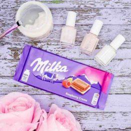 Milka Raspberry Creme Milk Chocolate Bar 100G